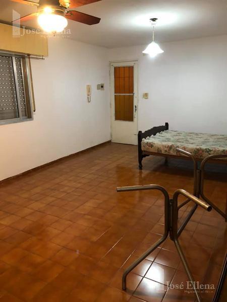 Foto Departamento en Venta en  Macrocentro,  Rosario  ZEBALLOS al 500