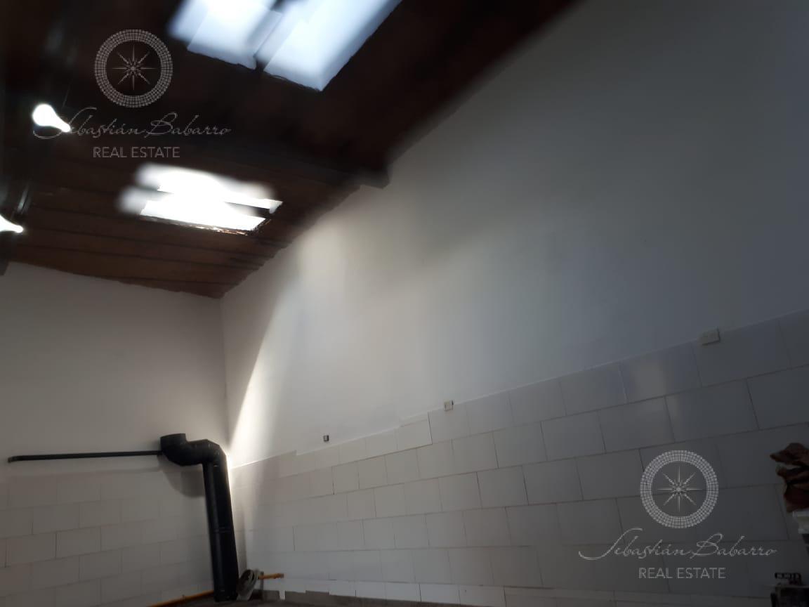 Foto Local en Venta | Alquiler en  Parque Patricios ,  Capital Federal  La Rioja al 1700