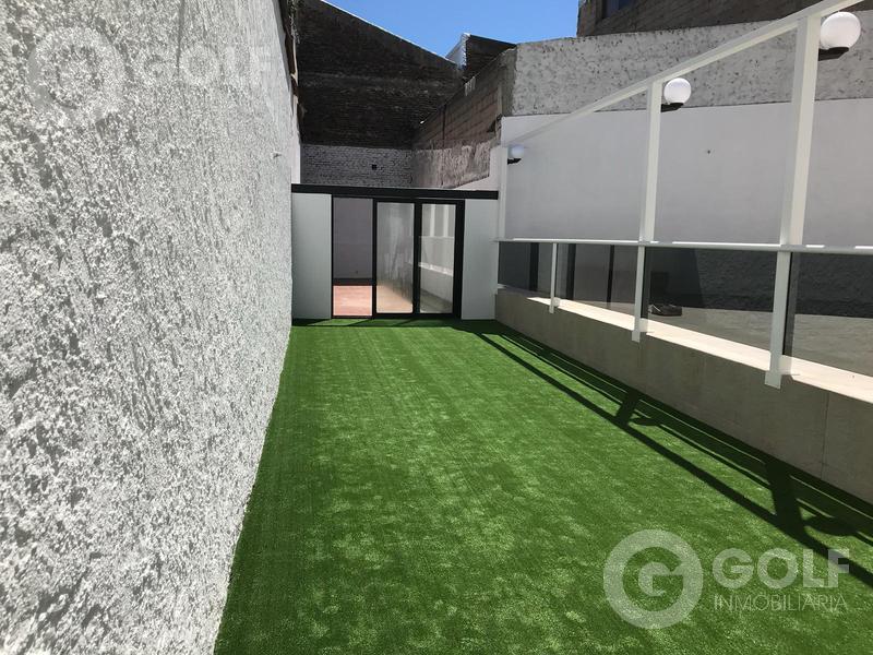 Foto Casa en Venta en  Parque Rodó ,  Montevideo  San Salvador prox. Embajada de EEUU