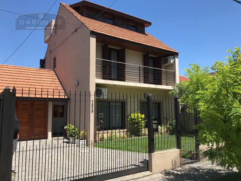 Foto Casa en Venta en  Adrogue,  Almirante Brown  ITALIA 1072