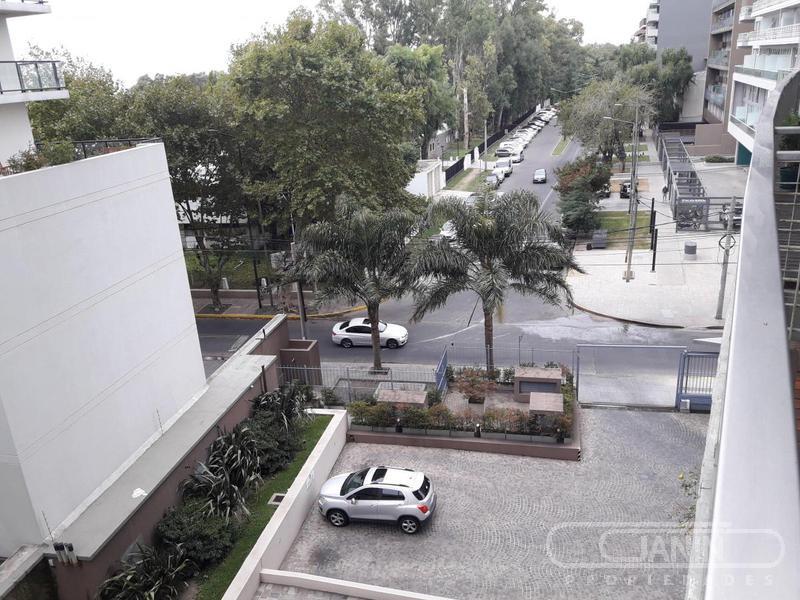 Foto Departamento en Alquiler en  Olivos,  Vicente Lopez  Corrientes al 300