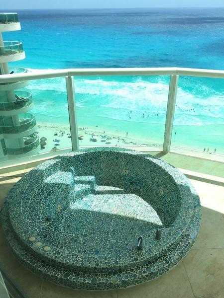Foto Departamento en Renta en  Zona Hotelera,  Cancún  Condominio en Renta en Bay View Grand, ZH Cancún