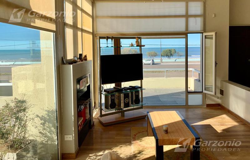 Foto Casa en Venta en  Playa Union,  Rawson  Playa Unión - Frente al mar,  zona sur