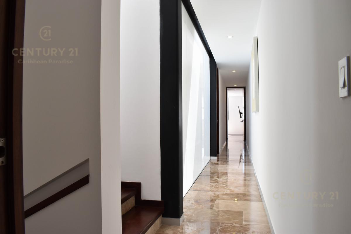 Cancún Centro Apartment for Sale scene image 26