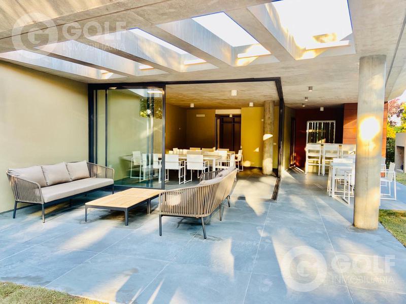 Foto Departamento en Alquiler en  Carrasco ,  Montevideo  1 dormitorio con amplia terraza, garaje opcional
