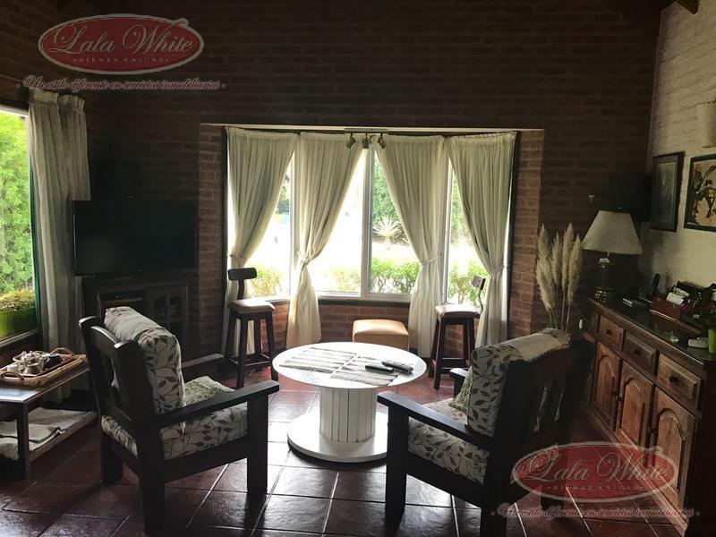 Foto Casa en Venta en  Echeverria Del Lago,  Countries/B.Cerrado (E. Echeverría)  Casa en Echeverría del Lago