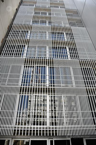 Foto Oficina en Alquiler en  Centro,  Cordoba Capital  Oficinas - Varios Pisos Disponibles en Alquiler - Av. Maipú 30