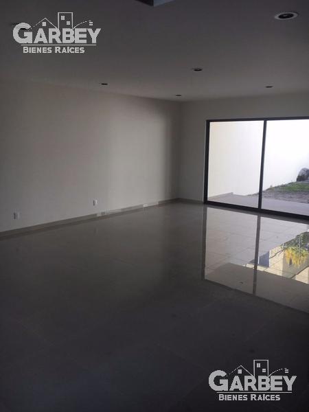 Foto Casa en Renta en  Fraccionamiento Altavista Juriquilla,  Querétaro  CASA EN RENTA EN ALTAVISTA