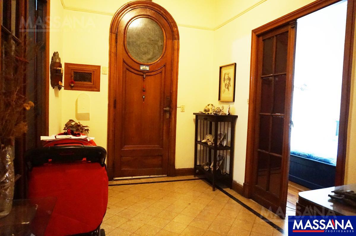 Foto Departamento en Venta en  Balvanera ,  Capital Federal  LAVALLE al 2700
