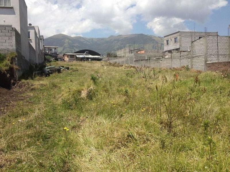 Foto Terreno en Venta en  Sur de Quito,  Quito  OJO!! Inversionistas, Terreno en Av. Mariscal Sucre, Guamaní