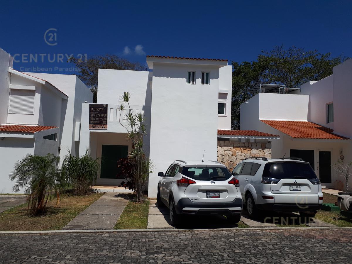 Foto Casa en Renta en  Playa del Carmen,  Solidaridad  casa en renta en Playacar C2759