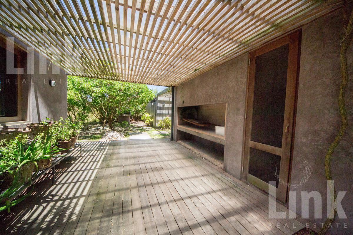 Foto Casa en Venta en  Manantiales ,  Maldonado  Manantiales