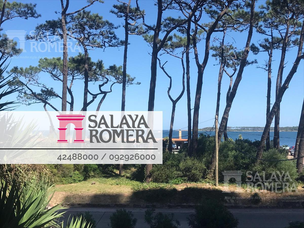 Foto Departamento en Alquiler en  Playa Mansa,  Punta del Este  Apartamento de 3 dormitorios en primera línea de Playa Mansa, Punta del Este