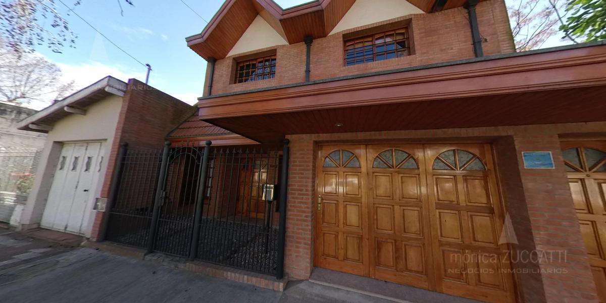 Foto Casa en Venta en  Banfield Este,  Banfield  Cabrera 638