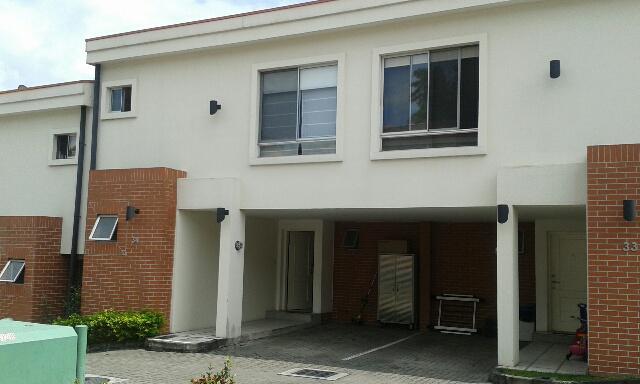 Foto Casa en condominio en Renta    en  San Rafael,  Escazu  Precioso condominio con piscina cerca de Distrito 4, Guachipelín de Escazu