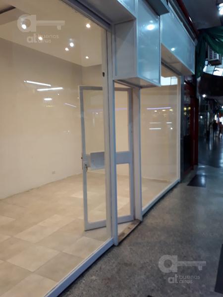 Foto Local en Alquiler en  Flores ,  Capital Federal  Av. Rivadavia al 6700, Galería Le Boulevard
