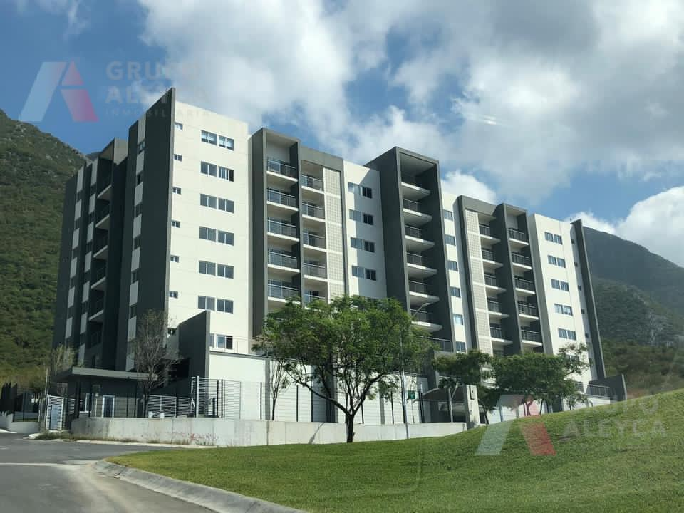 Foto Departamento en Renta en  Colinas del Huajuco,  Monterrey  Colinas del Huajuco, Carretera Nacional, Monterrey NL