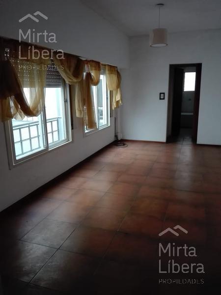 Foto Departamento en Alquiler en  La Plata,  La Plata  Calle 5 entre 44 y 45