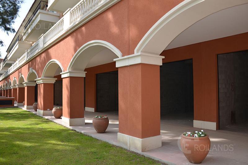 Foto Local en Venta en  Pilar ,  G.B.A. Zona Norte  Caamaño y Verdi