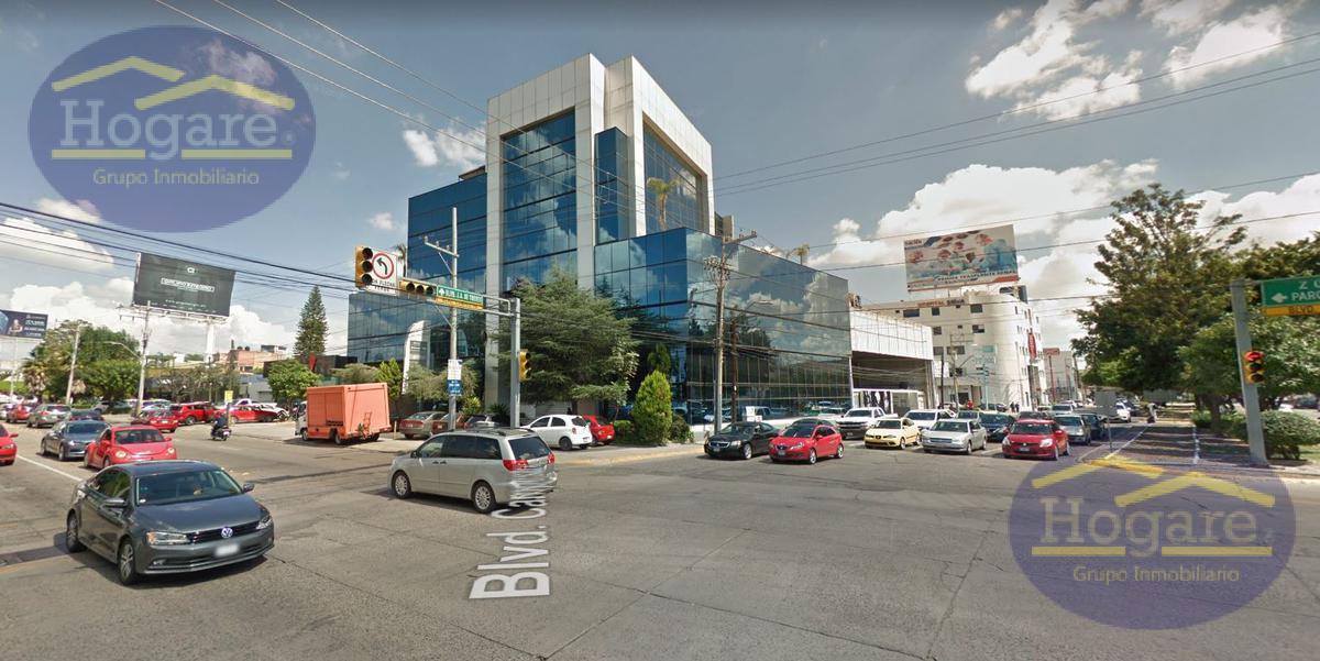 Oficina comercial en Blvd campestre esquina paseo del moral León Gto