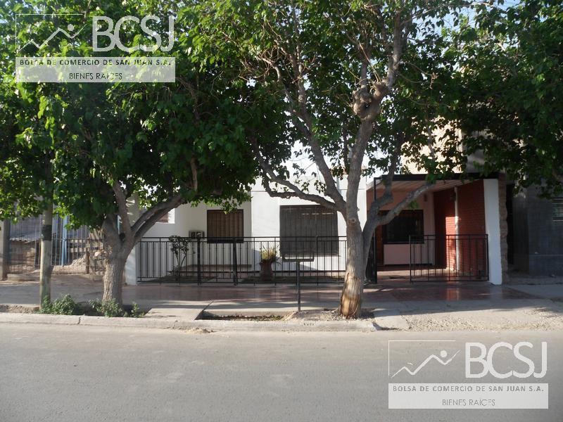 Foto Casa en Venta en  Rawson ,  San Juan  quiroga oeste al 600