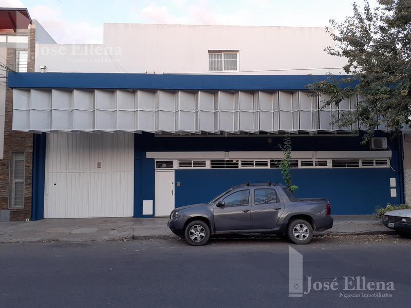 Foto Local en Alquiler en  Rosario ,  Santa Fe  1º de Mayo 2200