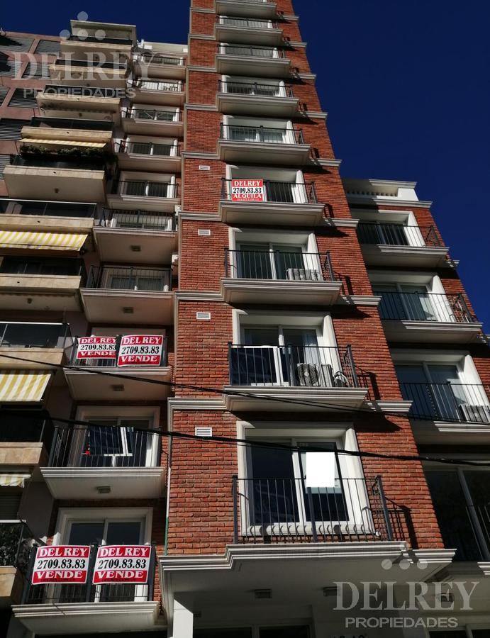 Foto Departamento en Alquiler en  Pocitos Nuevo ,  Montevideo  Lamas y Julio César próx.