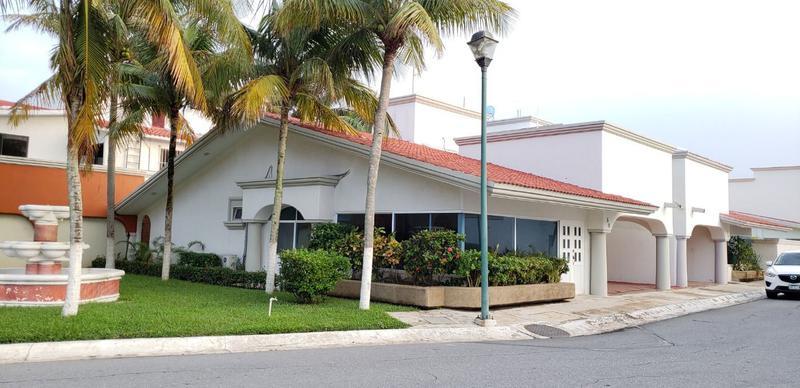 Foto Casa en Renta en  Fraccionamiento Bugambilias,  Coatzacoalcos  Calle Palmas No. 69, Fraccionamiento Arboledas, Coatzacoalcos, Ver.