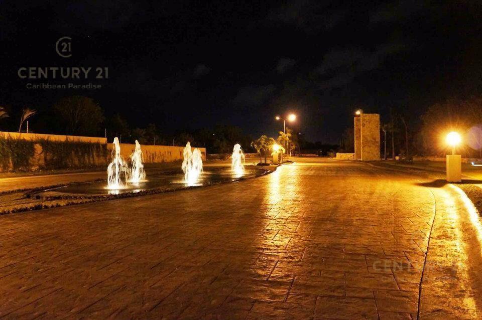Playa del Carmen Terreno for Venta scene image 3