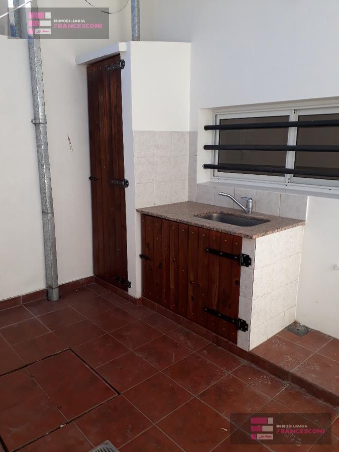 Foto PH en Venta en  Los Hornos,  La Plata  146 Y 63