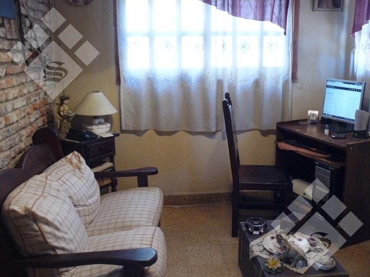 Foto Casa en Venta en  Ituzaingó Norte,  Ituzaingó  Medina al 400