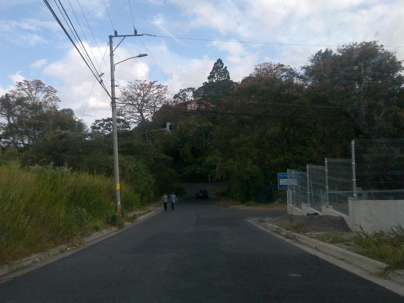 Foto Terreno en Venta en  San Rafael,  Escazu  TERRA VENDE LOTE PLANO MUY BIEN UBICADO EN BELLO HORIZONTE ESCAZU