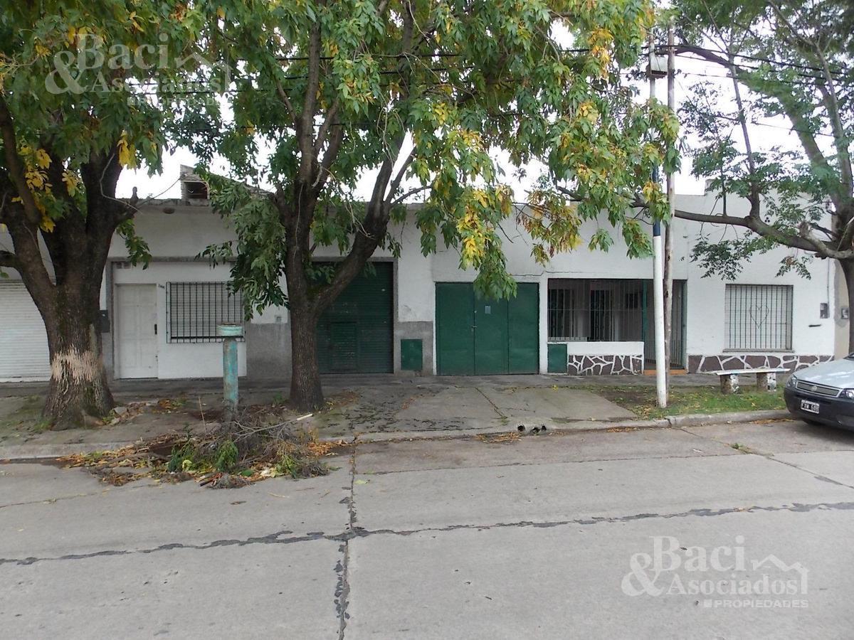 Foto Casa en Venta en  Ezeiza ,  G.B.A. Zona Sur  Las Heras al 200