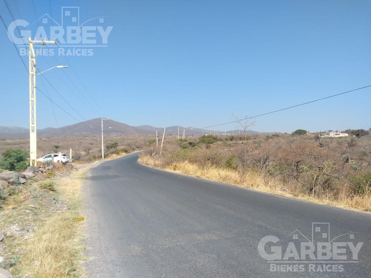 Foto Terreno en Venta en  Pie de Gallo,  Querétaro  Venta de Terreno 1 hectárea a 5 minutos de Libramiento Norponiente.