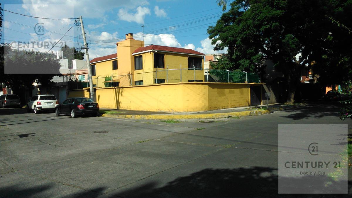 Foto Casa en Venta en  La Florida,  Naucalpan de Juárez  DE LOS LIRIOS al 300