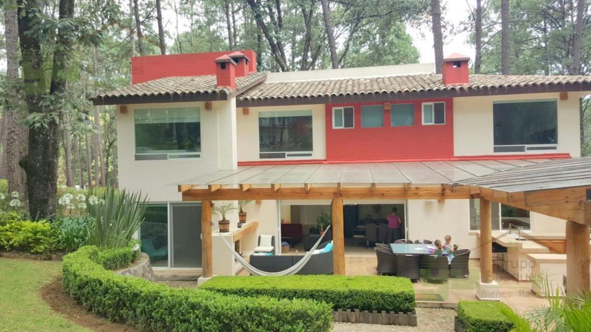 Foto Casa en Venta en  AvAndaro,  Valle de Bravo  Circuito Avandaro