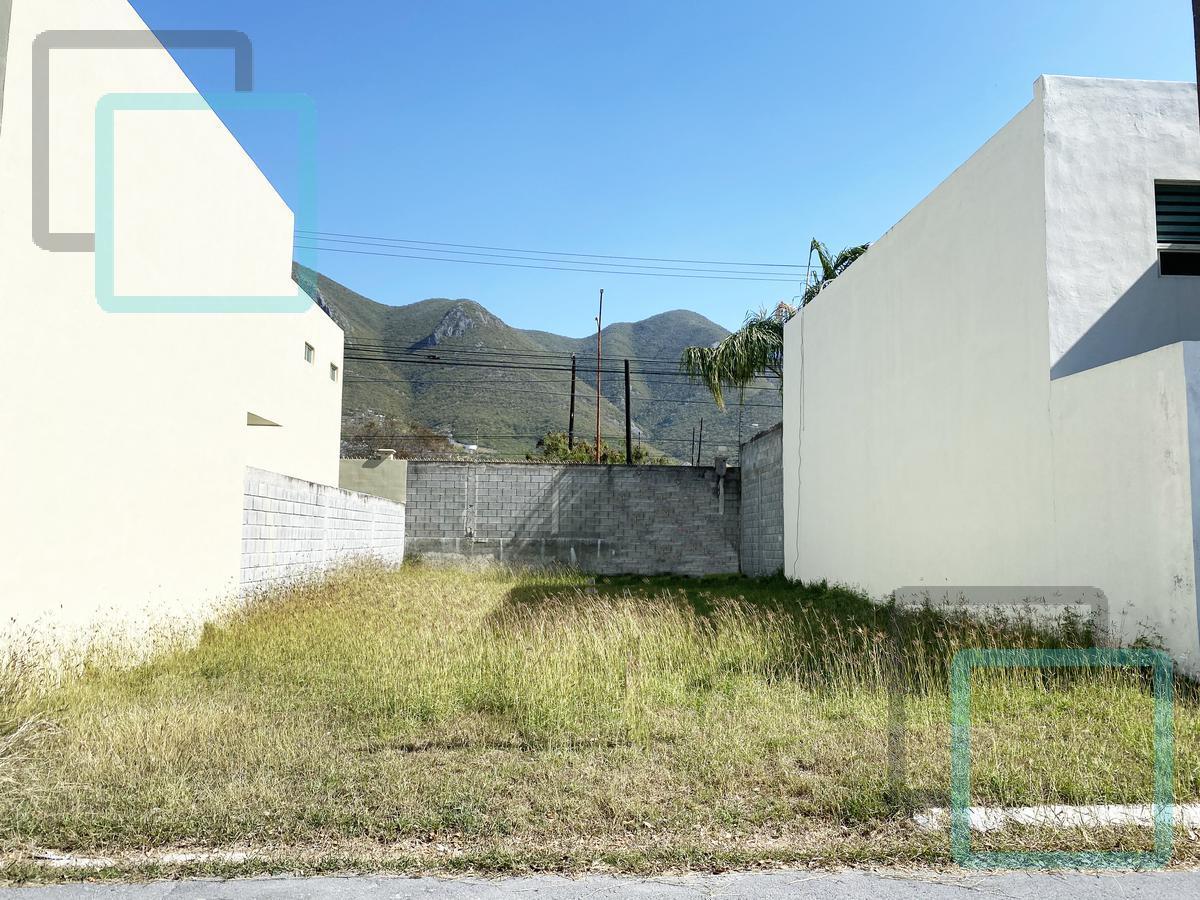 Foto Terreno en Venta en  La Rioja Privada Residencial 1era. Etapa,  Monterrey  TERRENO EN VENTA COLONIA LA RIOJA ZONA CARRETERA NACIONAL MONTERREY