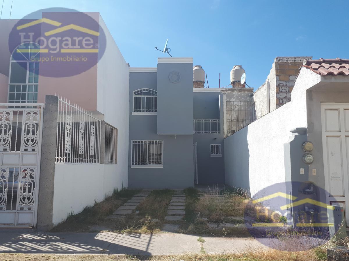 Casa en venta 2 plantas 2 recamarásFraccionamiento Brisas del Carmen León Gto.