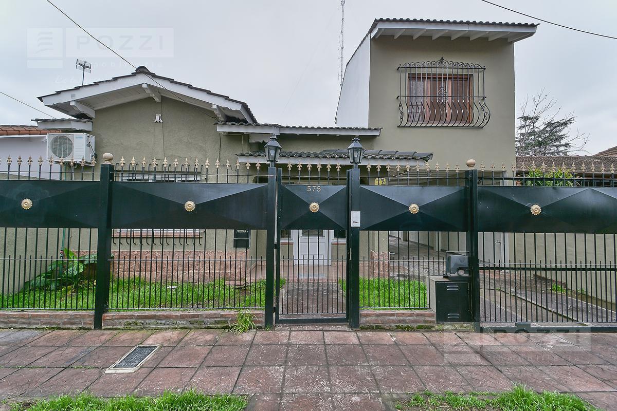 Foto Casa en Venta en  El Casco (Pacheco),  General Pacheco  Bomberos Volunarios 500