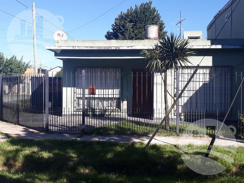 Foto Casa en Venta en  Florencio Varela,  Florencio Varela  Pereyra Lucena al 500