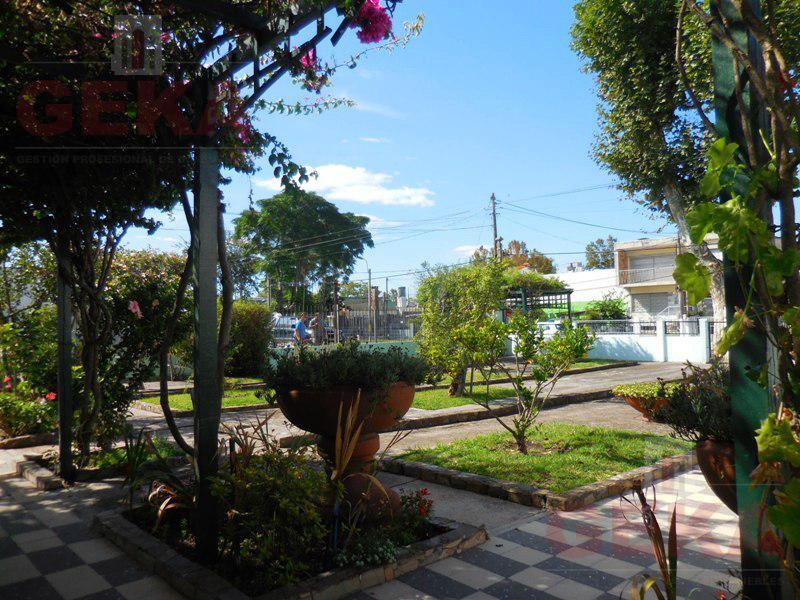 Foto Terreno en Venta en  Piedras Blancas ,  Montevideo  Cabari al 4100