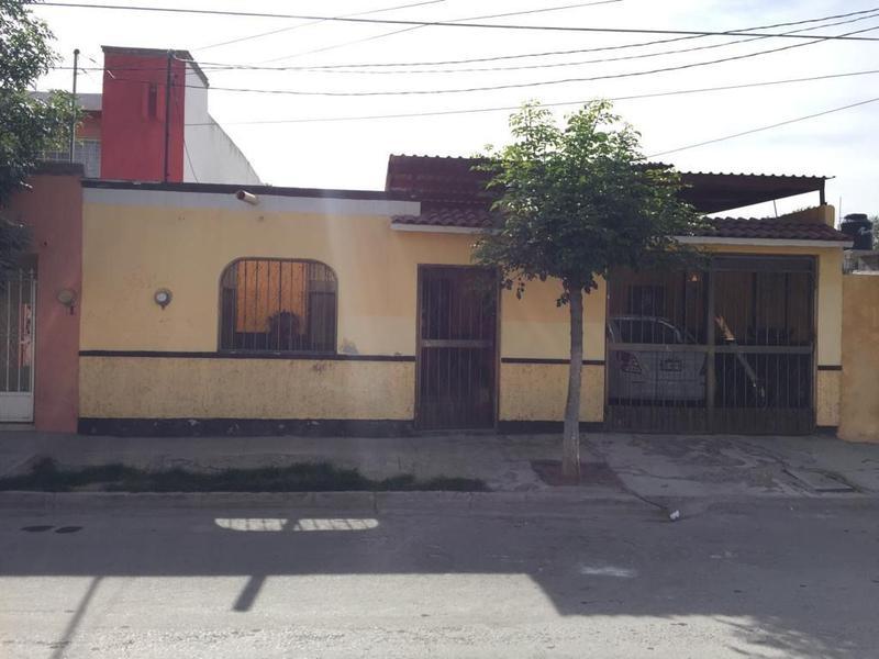 Foto Casa en Venta en  José López Portillo,  Gómez Palacio  CASA EN VENTA EN LA COL.  LOPEZ PORTILLO EN GOMEZ PALACIO.