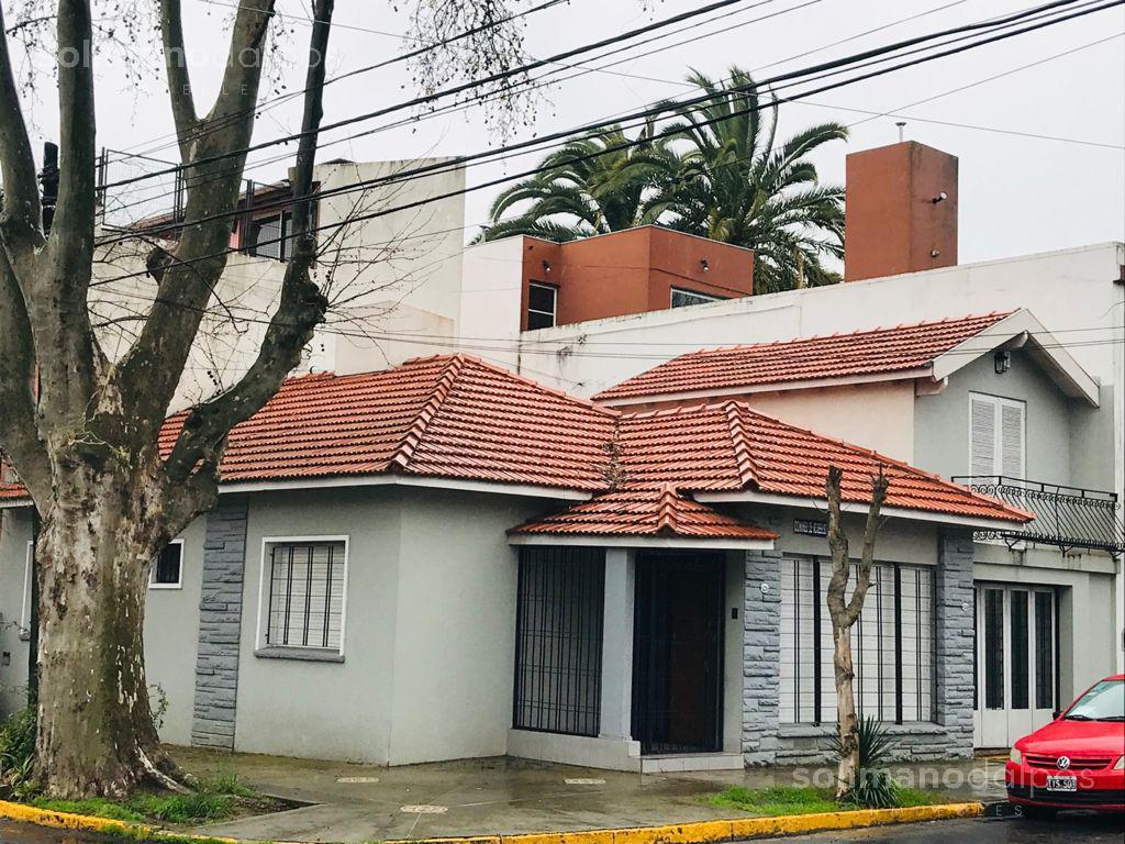 Foto Casa en Alquiler en  La Lucila-Vias/Maipu,  La Lucila  Acassuso al 1200