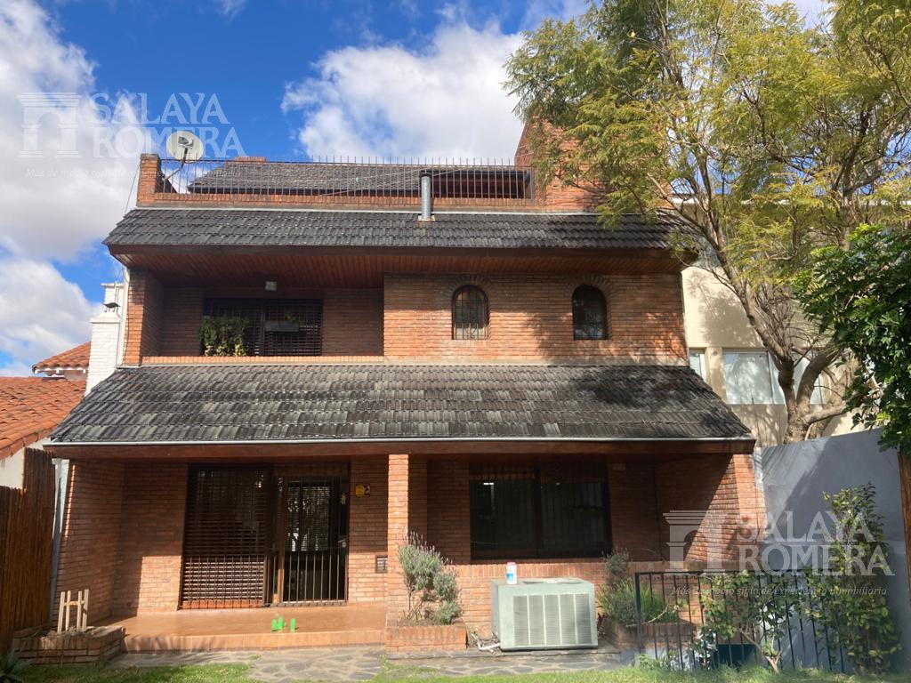 Foto Casa en Alquiler en  La Lucila-Vias/Maipu,  La Lucila  Bouchard al 1000