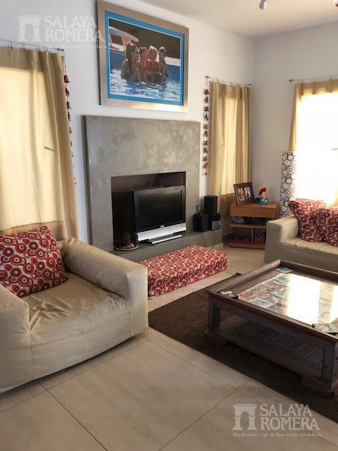 Foto Casa en Venta en  La Damasia,  Countries/B.Cerrado  LA DAMASIA
