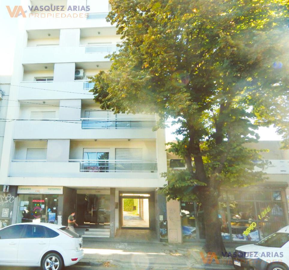 Foto Departamento en Venta en  La Plata ,  G.B.A. Zona Sur  Avenida 7 e/ 62 y 63