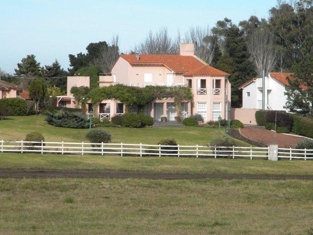 Foto Casa en Venta en  Mar Del Plata ,  Costa Atlantica  Gran casa en Chapadmalal