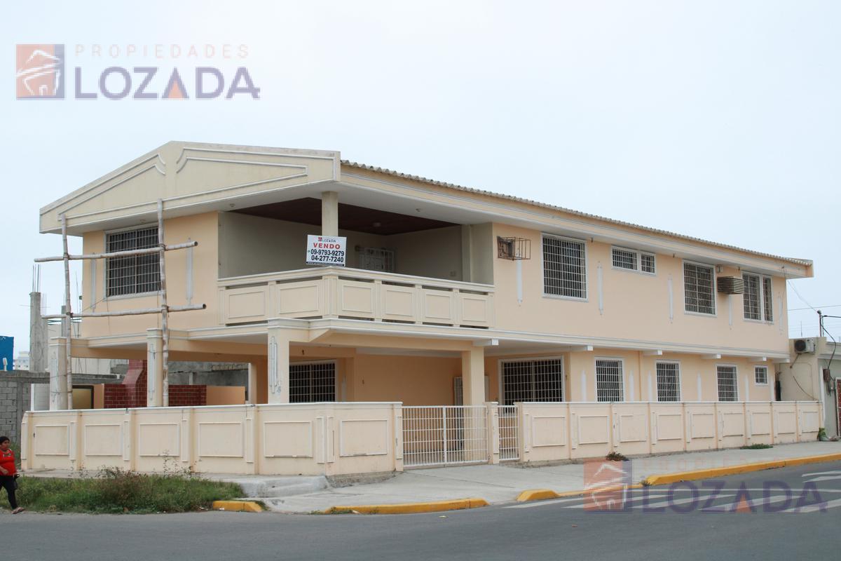 Foto Casa en Venta en  Ciudadela Italiana,  Salinas      Venta Casa Salinas  Esquinera  en vía principal asfaltada, 8 dormitorios