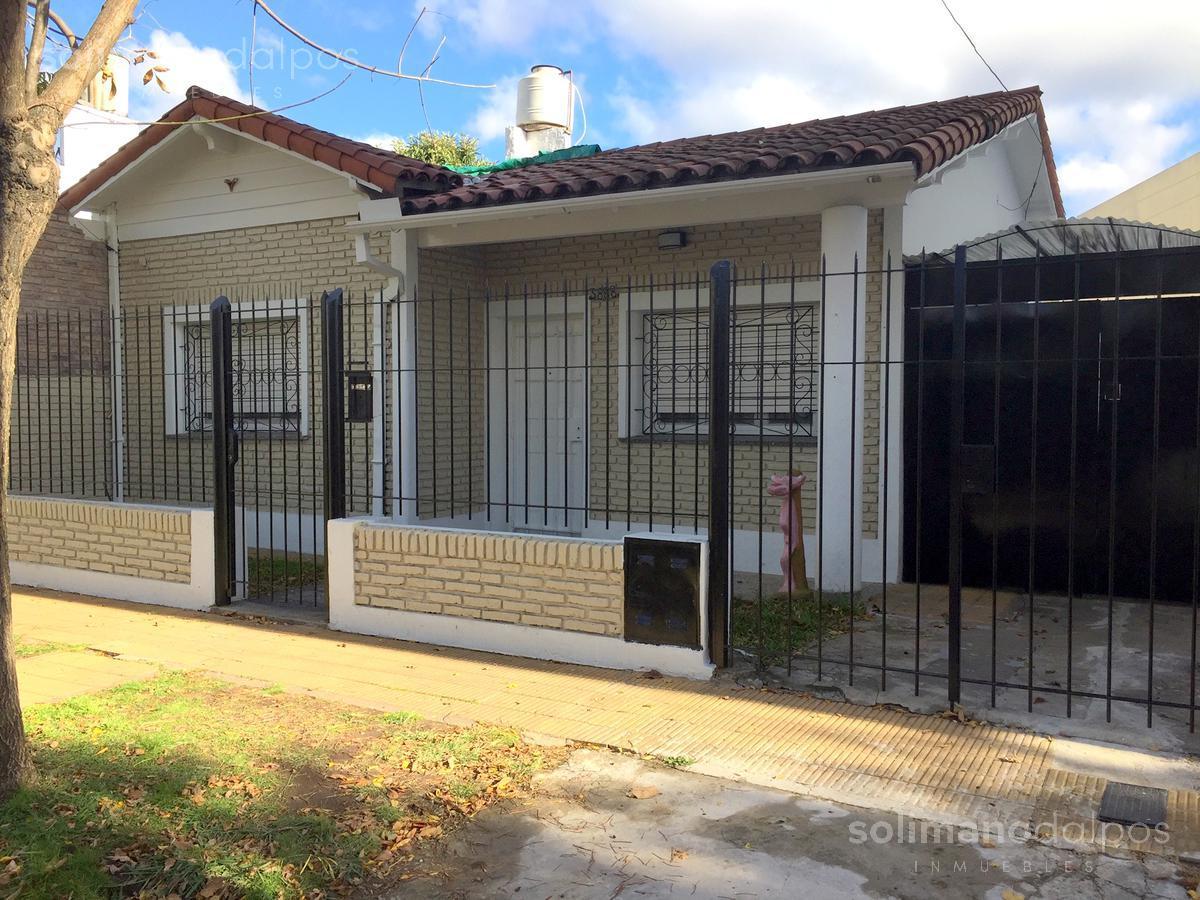 Foto Casa en Venta en  Villa Adelina,  San Isidro  Cerrito al 3800