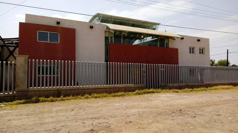 Foto Bodega Industrial en Venta | Renta en  Aeropuerto,  Chihuahua  BODEGA EN VENTA O RENTA CON OFICINAS CERCA DE LOMBARDO TOLEDANO Y JUAN PABLO